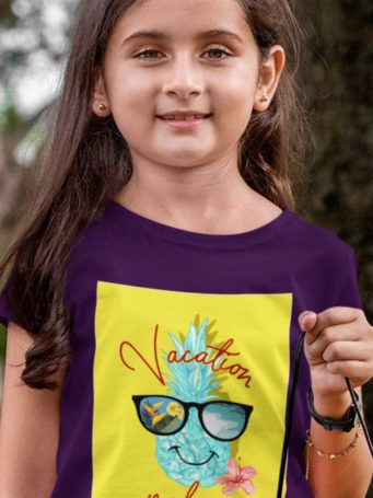 6S1230 lovely girl in a purple Vacation mode on tshirt